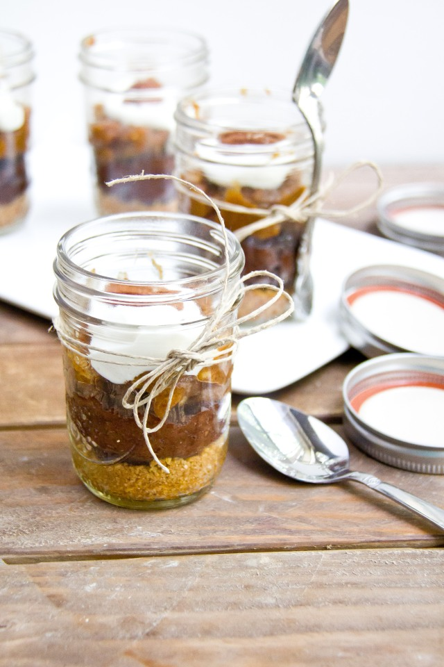 Chocolate Pecan Pie in a Jar (10 of 16)
